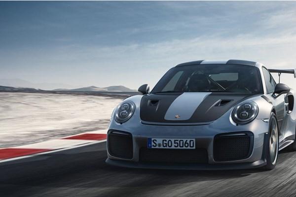 نگاهی به پورشه 911GT2 RS